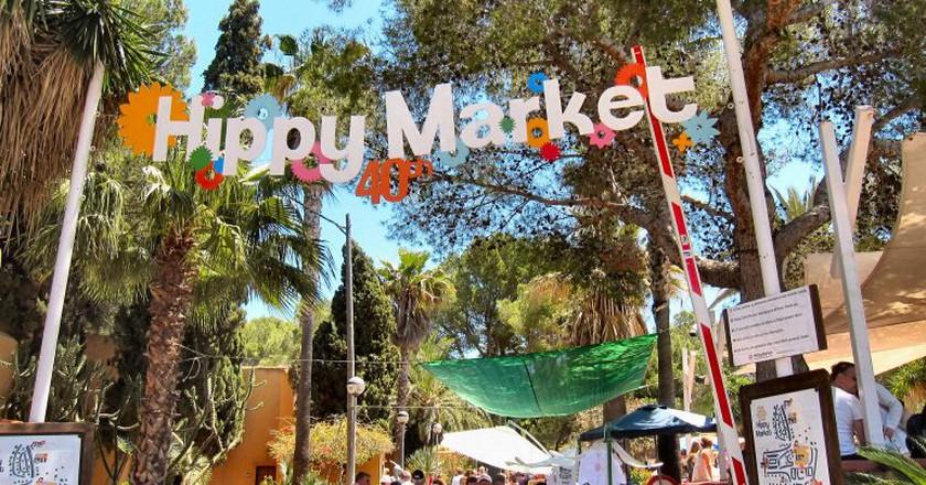 Punta Arabí hippy market I © Ronald Saunders/Flickr