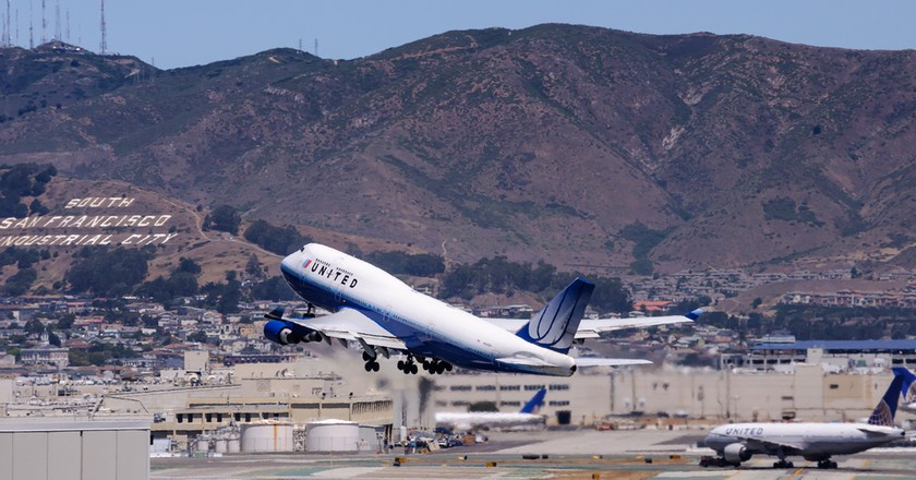 A United Airlines plane at SFO | © InSapphoWeTrust / Flickr