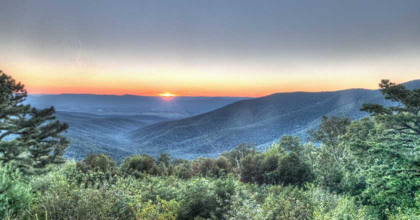 Sunset over the Blue Ridge Mountains, Virginia | © Aaron Garza/Flickr