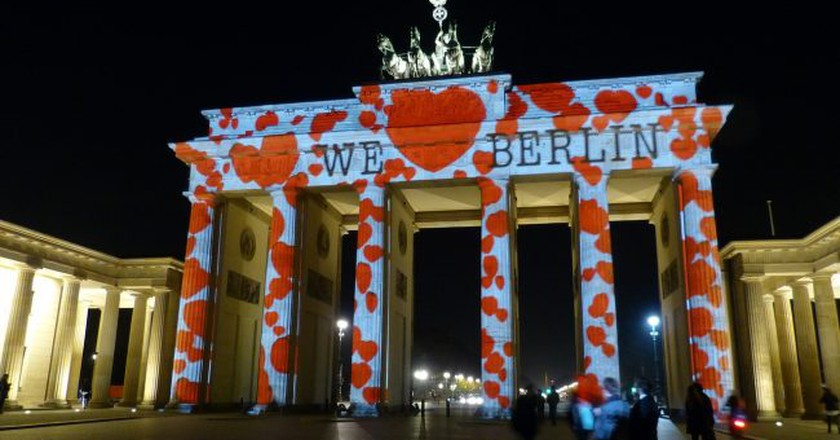 Light mapping on the Brandenburg Gate | © falco/ Pixabay