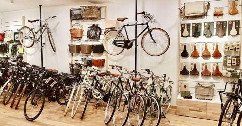 Esprit Cycles Bordeaux shop   Courtesy Esprit Cycles Bordeaux