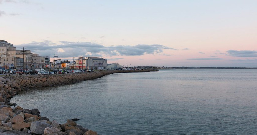 Salthill and Galway Bay | © Robert Lindsell / Flickr