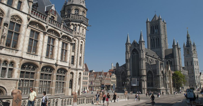 Ghent's post office and St Nicholas' Church   © Anna & Michal / Flickr