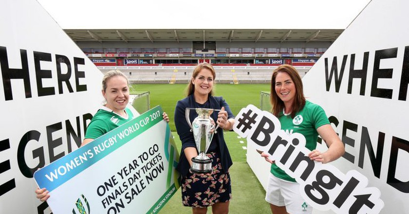 Ireland captain Niamh Briggs (left), Women's Rugby World Cup 2017 ambassador Fiona Coghlan (centre) and Ireland fly-half Nora Stapleton at Kingspan Stadium, Belfast, to mark one year to go until the final | © Ireland Rugby