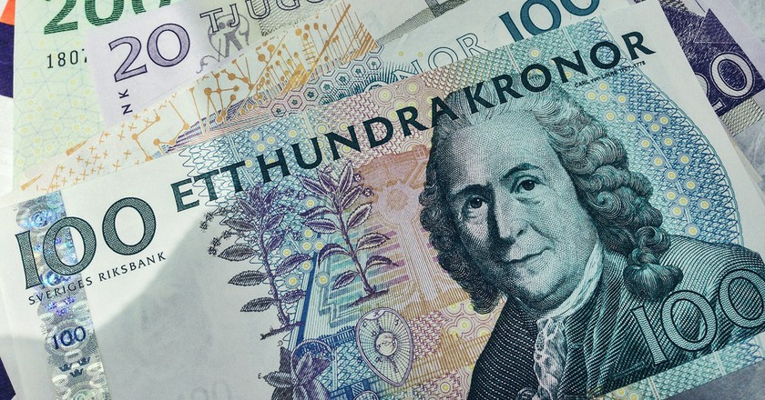 """<a href = """"https://www.flickr.com/photos/diversey/17218062490/""""> Swedish and Danish Currency   © Tony Webster/Flickr"""