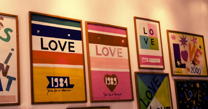 Posters of love in Marrakech | © ikeofspain / Flickr