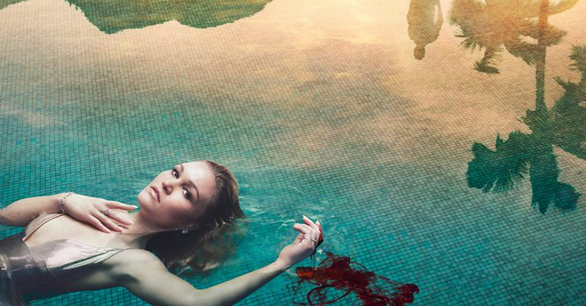 Riviera is showing on Sky and follows the life of Georgina Clios, played by Julia Stiles | © Sky Atlantic