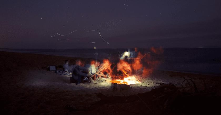 Campfire social | © PublicCo/Pixabay