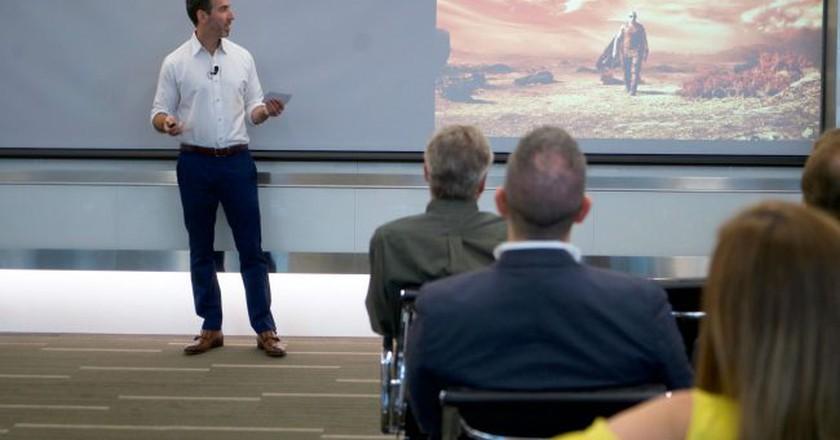 Seth Grossman pitches his winning idea | © IBM