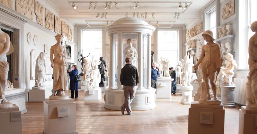 Statue Room, Walker Art Gallery   © Arthur John Picton/Flickr
