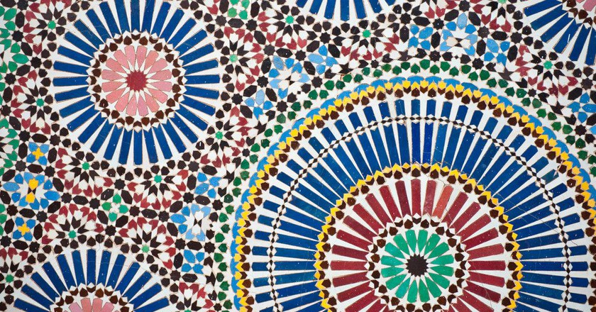 Colourful Moroccan designs, as found in many hotels, guesthouses, and other accommodations |© Jörg Reuter / Flickr