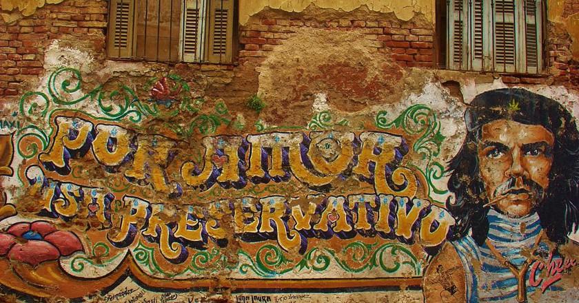 Che Guevara mural in Buenos Aires, Argentina   © traveljunction/Flickr
