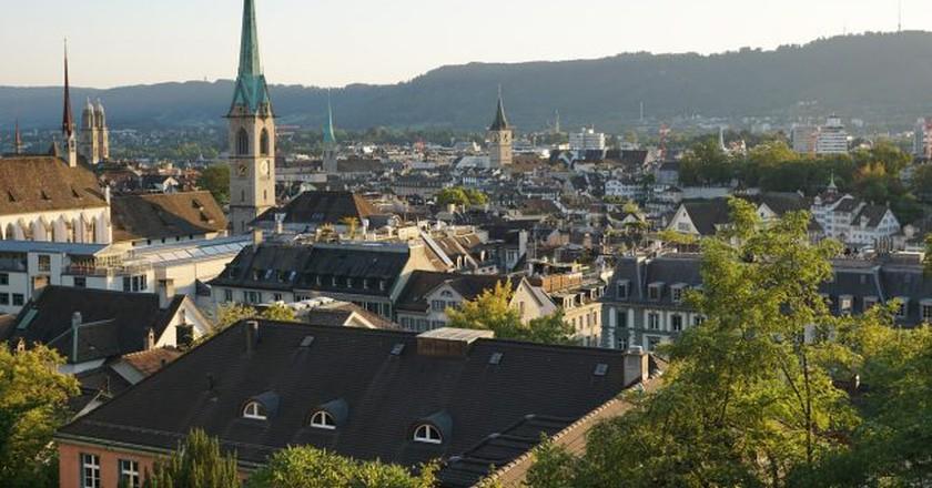 The coolest districts in zurich switzerland zurichs old town strecosa pixabay solutioingenieria Gallery