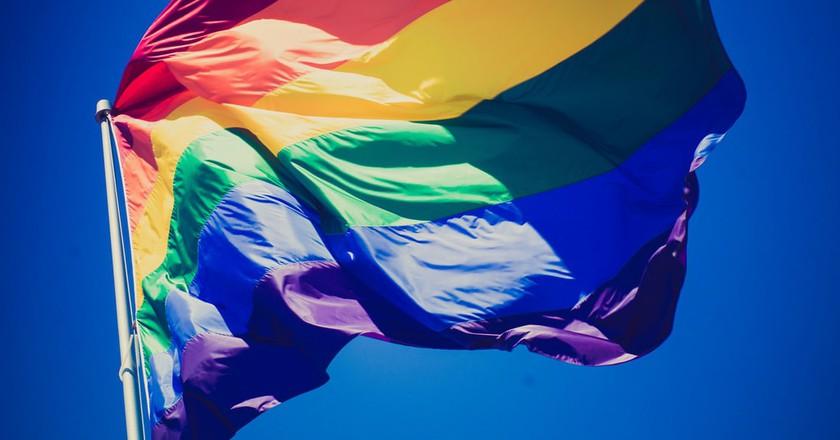 Rainbow Flag in Castro | © Nan Palmero/Flickr