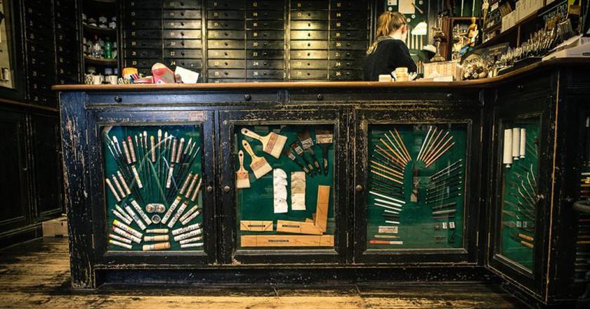 A counter at L. Cornelissen | courtesy L. Cornelissen