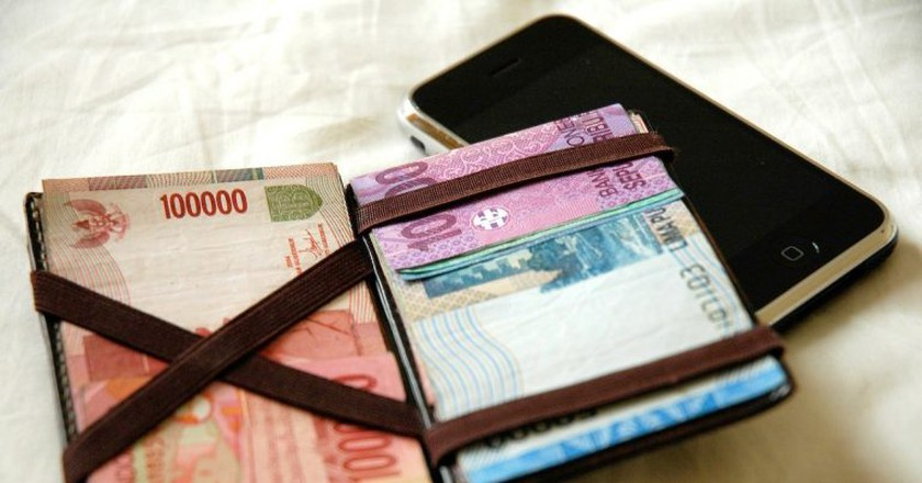 Indonesian money | © Ryan Tir/Flickr