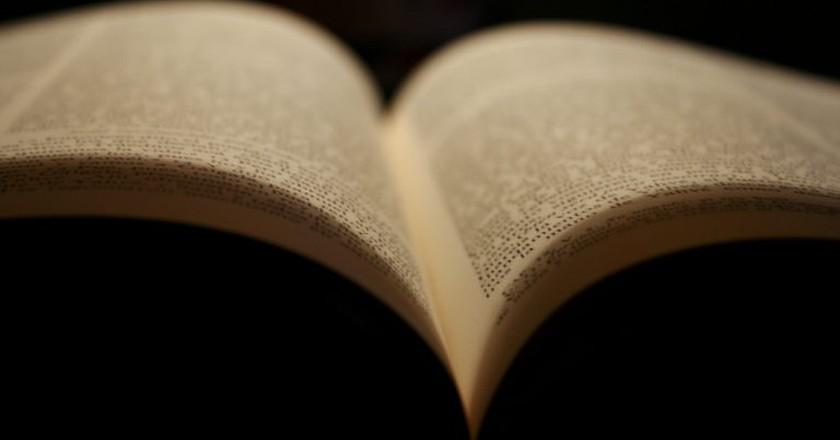 Open book | © Javi Sánchez de la viña/Flickr