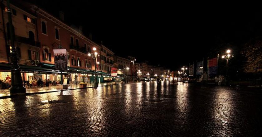 Verona by night | mrzeon/Flickr