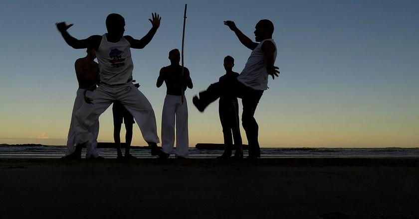 Practicing Capoeira |© Rocksan / Wikipedia