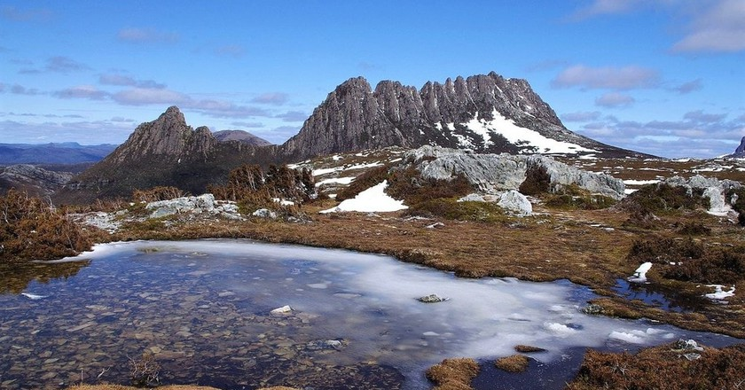 https://commons.wikimedia.org/wiki/File:Cradle_Mountain,_Tasmanian_Wilderness_World_Heritage_Area,_Tasmania,_Australia.jpg