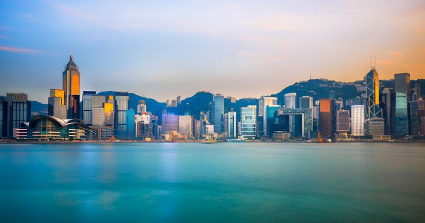 Hong Kong skyline in the evening over Victoria Harbour | © Patrick Foto / Shutterstock