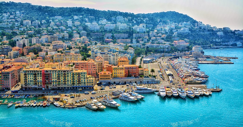 Beautiful panoramic aerial view city of Nice, on the French Riviera | © MarinaDa/Shutterstock