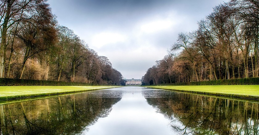 "<a href=""http://maxpixel.freegreatpicture.com/Park-Benrath-Castle-Mirrored-Mirroring-Duesseldorf-1998437"" target=""_blank"" rel=""noopener noreferrer"">Park at Benrath Castle / Max Pixel</a>"