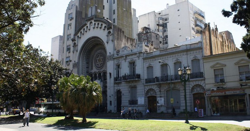 One of the many synagogues in Buenos Aires | © Robert Cutts/Flickr