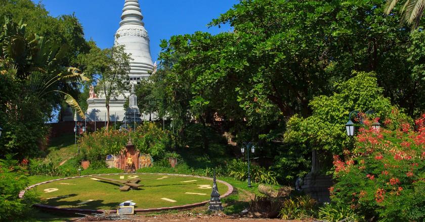 Wat Phnom © Lenar Musin/ Shutterstock.com