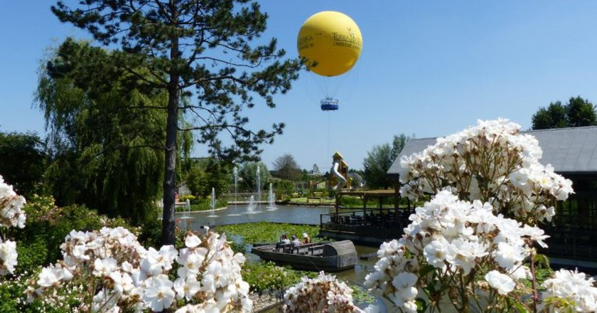 A mini hot air balloon ride is just one of the attractions at France's first botanical theme park, Terra Botanica  | © Courtesy of Terra Botanica