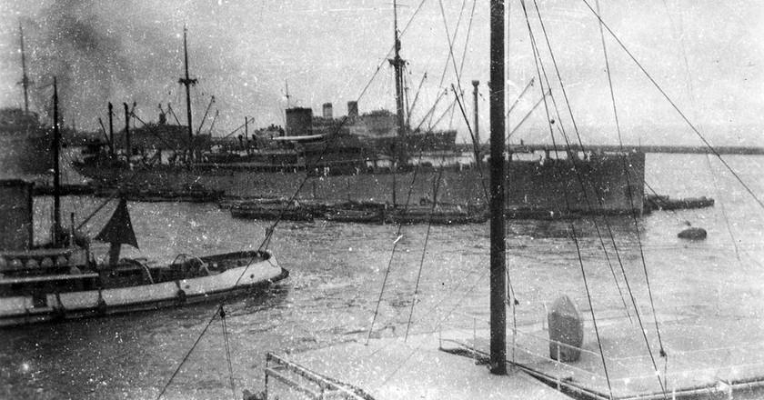 Bombay Harbour, 1940 | Tom Beazley / WikiCommons