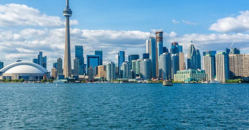 The beautiful Toronto's skyline over Lake Ontario. Urban architecture. Ontario, Canada   © Kiev.Victor / Shutterstock