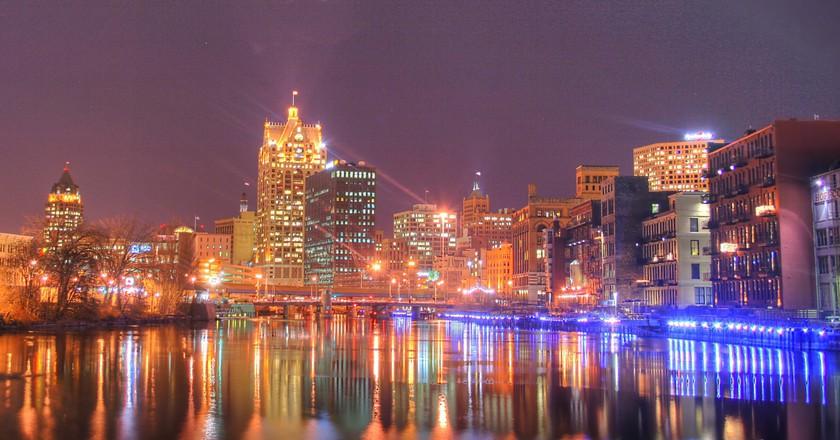 "<a href=""http://www.digitalphotographyhobbyist.com/"" target=""_blank"" rel=""noopener noreferrer"">Milwaukee skyline at night | © Ryan Schmitz / Flickr</a>"