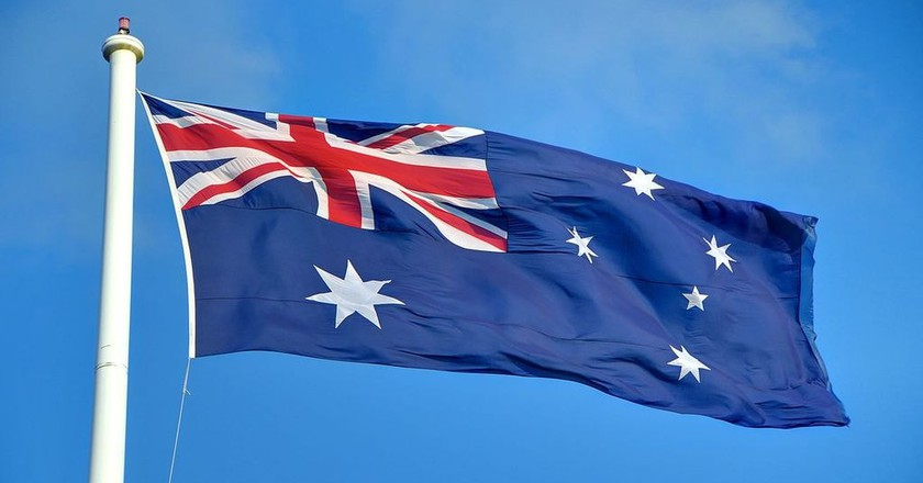 https://commons.wikimedia.org/wiki/File:Aus_Flag.jpg