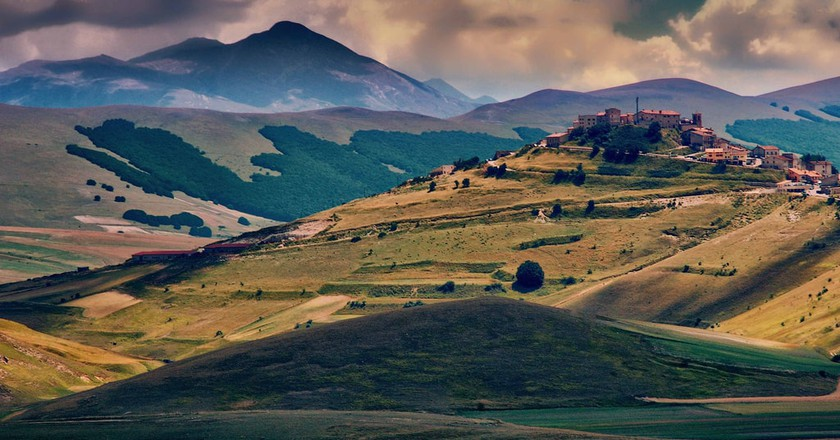 Castelluccio di Norcia in the Umbrian countyside | © Eric Huybrechts/Flickr