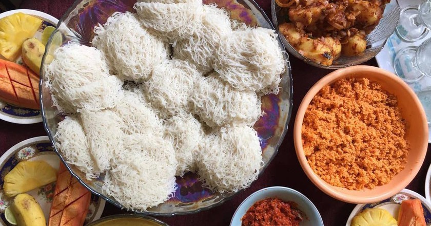 A full Sri Lankan Breakfast with hoppers | Orana Velarde
