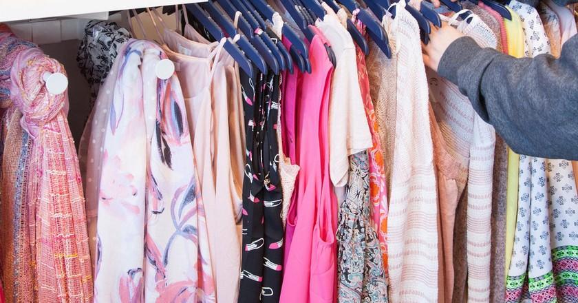 Antigua shops | © franchiseopportunities / Flickr