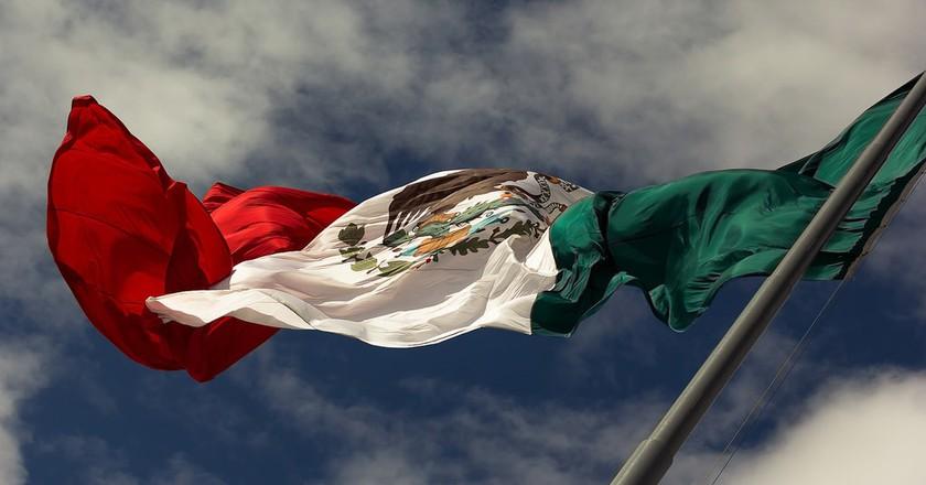 Mexican flag | © iivangm/Flickr
