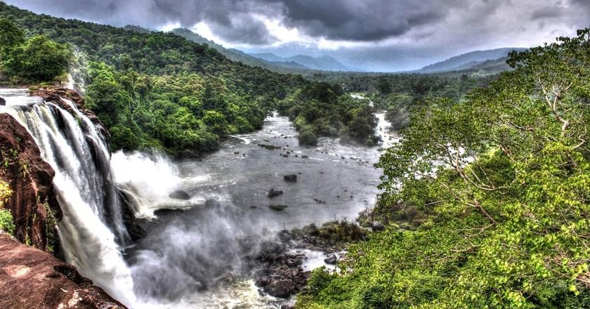 Athirappally Falls | © Subramonip / Wikimedia Commons