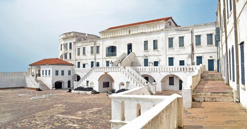 "<a href = ""https://pixabay.com/en/castle-cape-coast-ghana-2419575/""> Cape Coast Castle | © Cdigitalis/Pixabay"