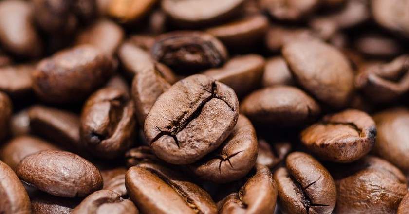 Coffee beans, before they are mixed with chickpeas | © Skitterphoto / Pixabay