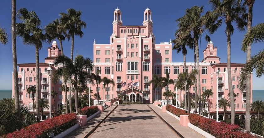 13 of the United States' Most Haunted Hotels