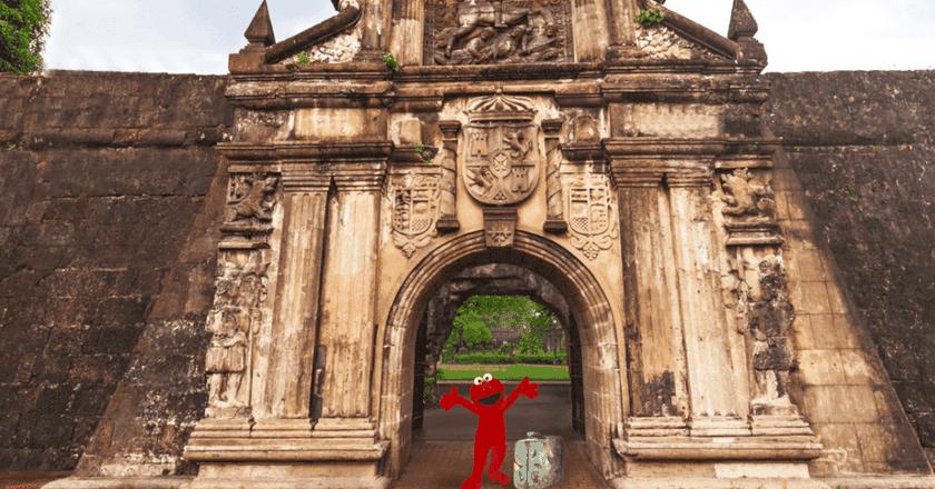 Elmo in Manila | © Rappler / YouTube