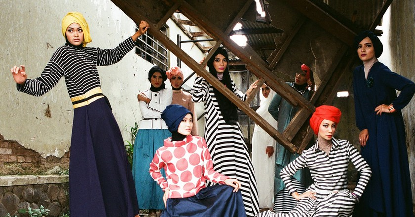 Muslim women modeling with hijab | © Febrianto P. Utama/ flickr
