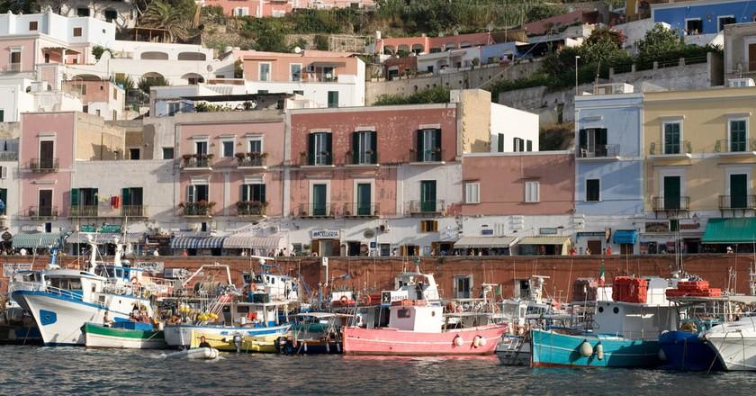 Ponza: il porto©Pietro & Silvia:Flickr
