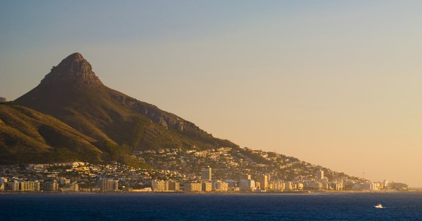 Beautiful Cape Town at Sunset | © donvictorio/Shutterstock