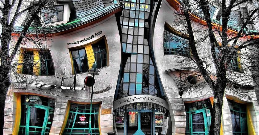 Krzwy Domek, Crooked House | © qbanez / WikiCommons