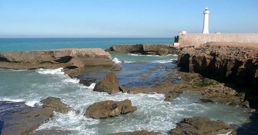 Rabat lighthouse next to the rocks | © Pline/WikiCommons