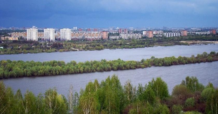 A view to avtozavodskii from the opposing side of the Oka river | © Bestalex / WikiCommons