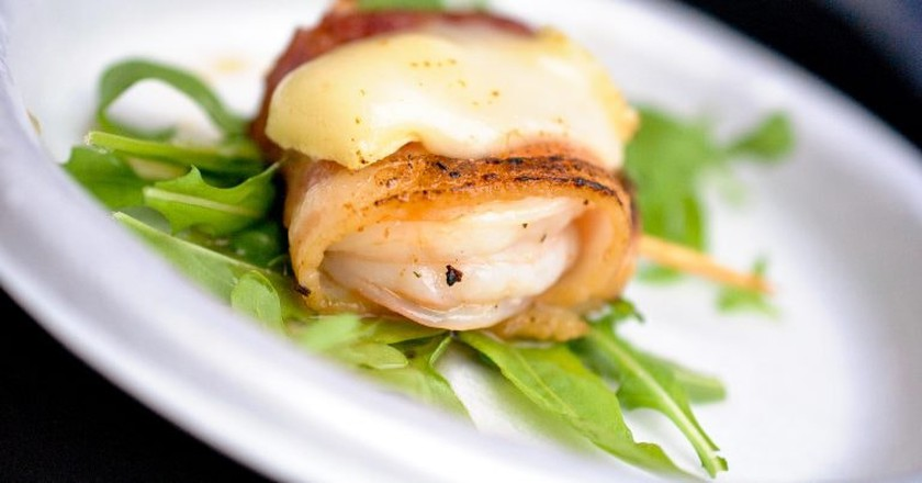 Bacon Wrapped Shrimp | © Larry Hoffman/Flickr